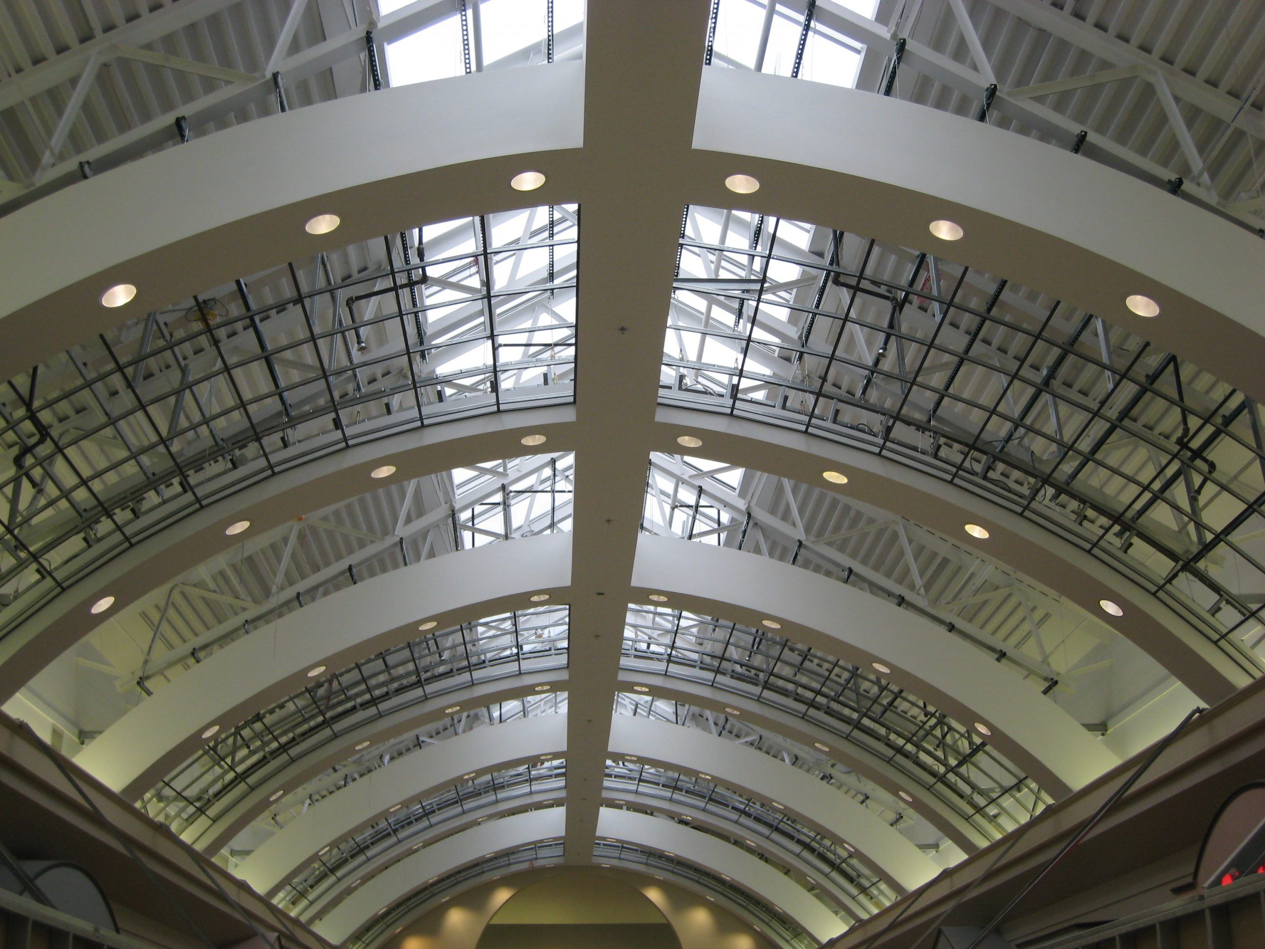 steel framed ceiling at niagara fashion outlets